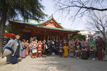 Kagurazakaoneri_akagi2008